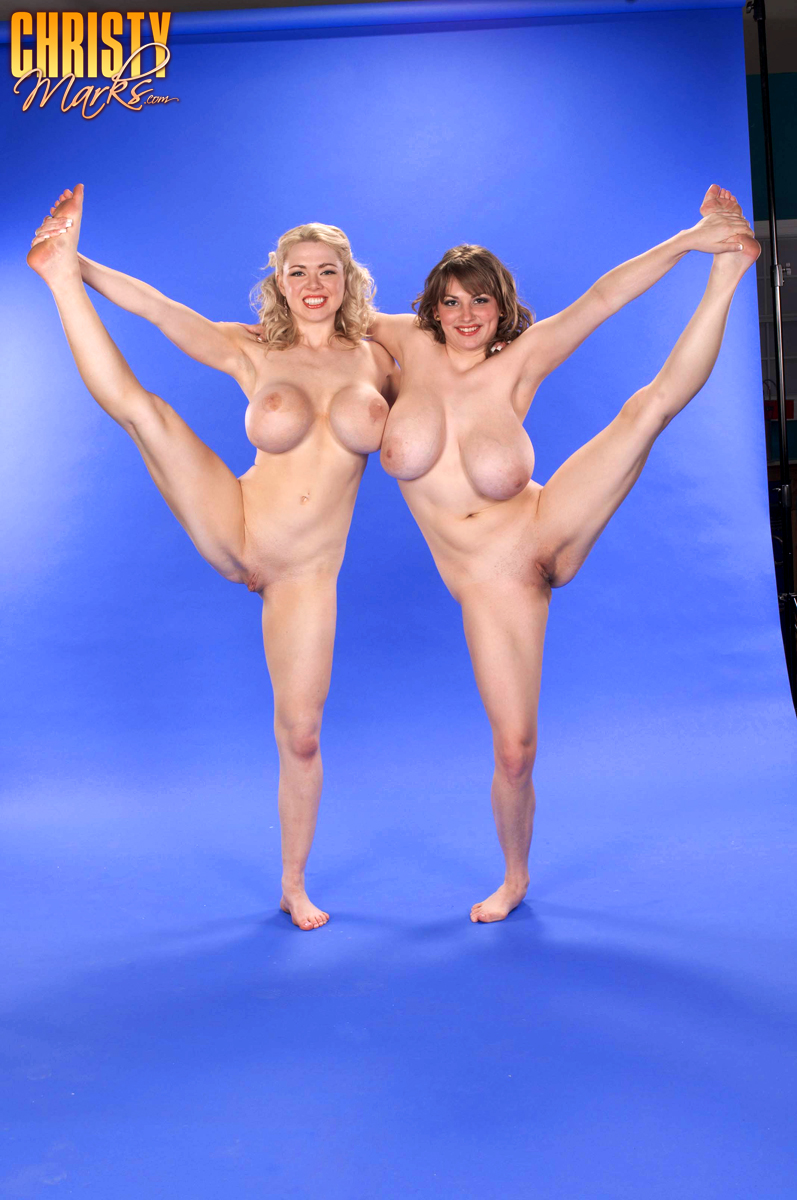 Сисястая гимнастка онлайн 31 фотография