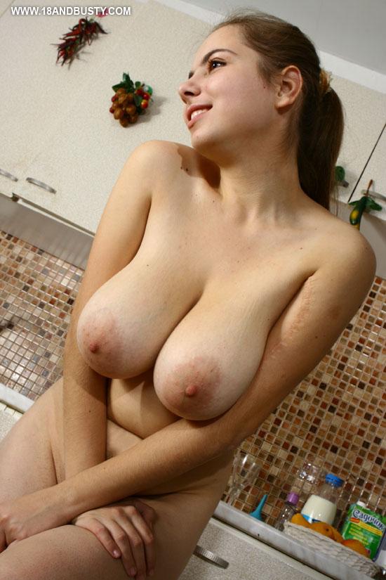 фото висячие сиськи молодые порно № 74863 без смс