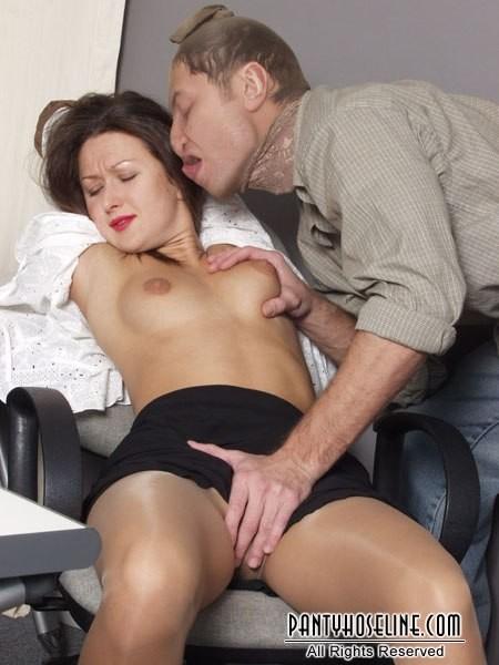 Смотреть порно изнасилование секретарш в офисах