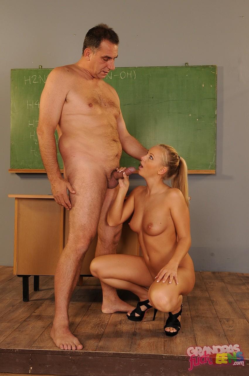Студентка отрабатывает у преподавателя зачет русское 8 фотография