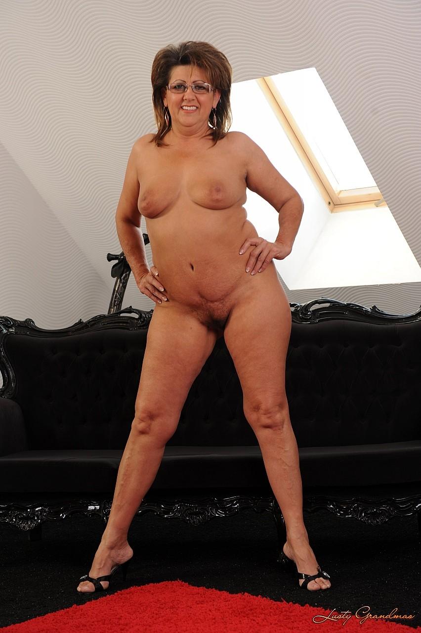 Mature Moms TV: Mom Porn Tube