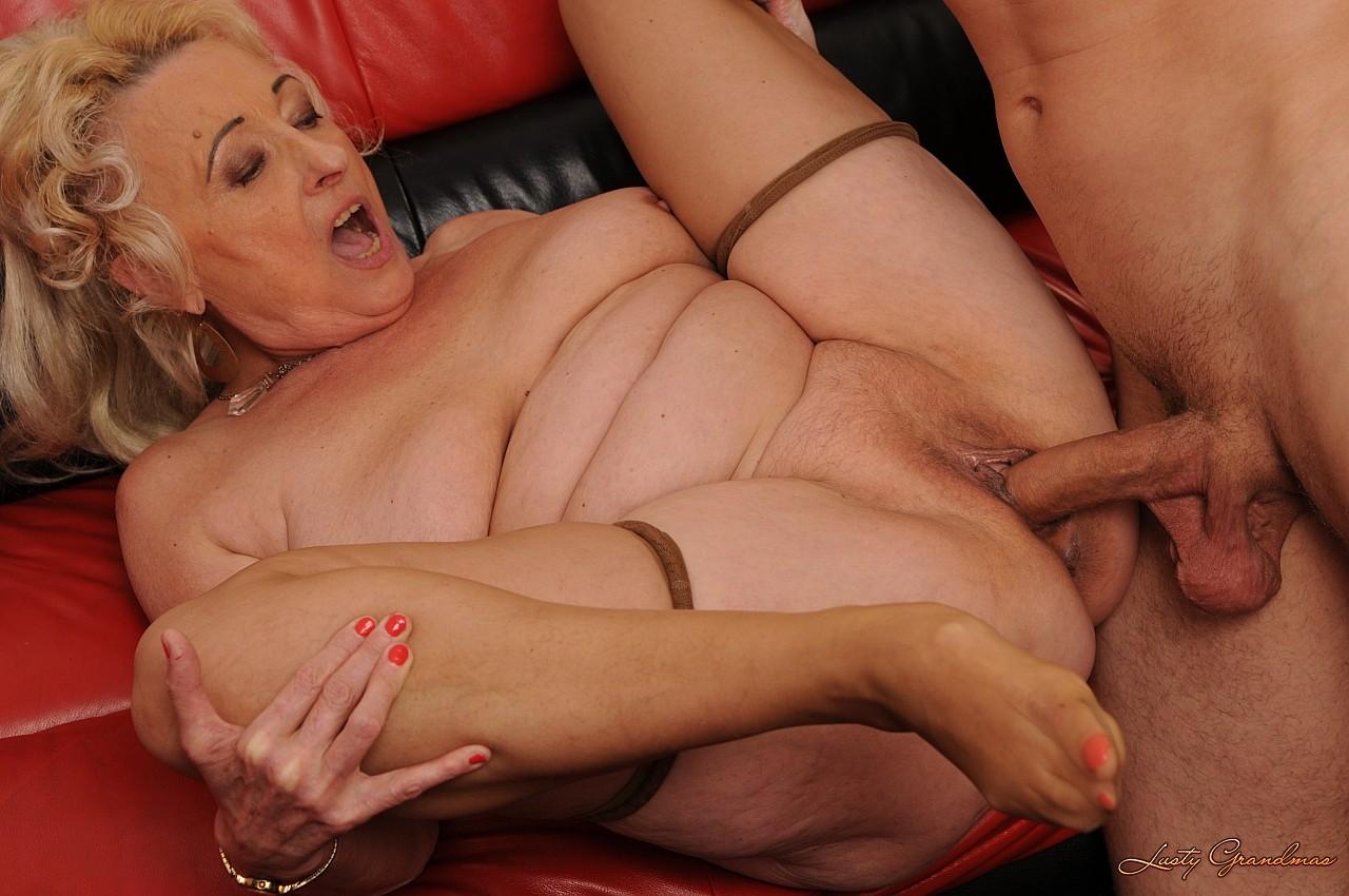 Секс сбабушками порно ролики бесплатно 17 фотография
