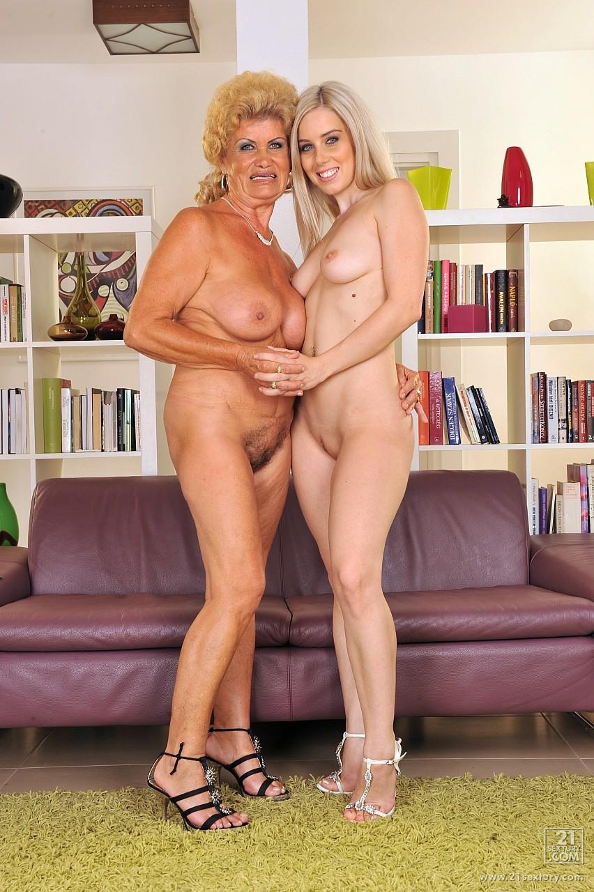 pozhilie-blondinki-lesbiyanki