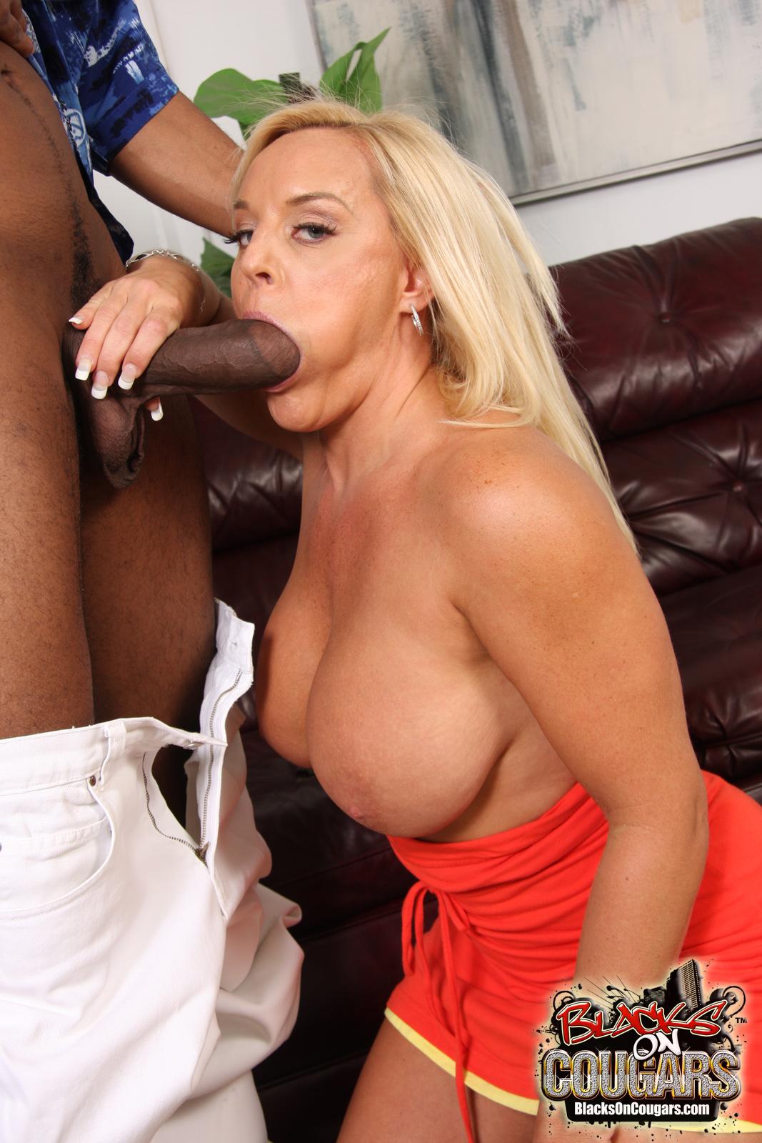 Секс блондинок с огромным членом 21 фотография