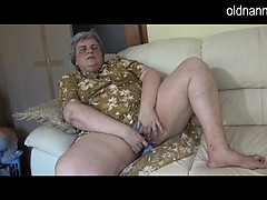 dirty-granny-licking-old-mature-woman