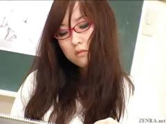 japanese-nude-art-class-has-live-demonstration