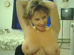 mature-busty-marie-fingers-on-home-webcam