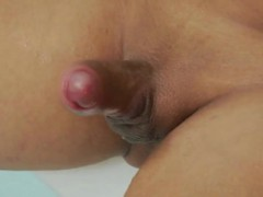 sweet-looking-tranny-caroline-ponciano-masturbating