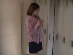 voyeur-clip-of-asian-teen-getting-naked