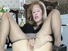 slut-in-pantyhose-masturbating