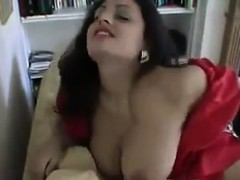 beautiful-indian-housewife-being-a-tease