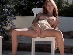 she-flashes-her-pussy-in-public-masturbation-scene
