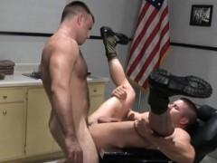 intense-militar-hunk-ass-slamming