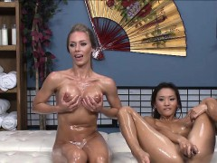 blonde-and-brunettes-live-webcam-sex-show-and-fucking-toys