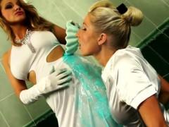 kinky-fun-with-an-bath-full-of-slime