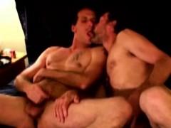 dirty-redneck-dudes-in-masturbation