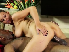 beautiful-blonde-abbey-brooks-gives-good-service-for-jovan