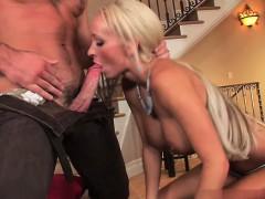 sexy-amateur-home-blowjob