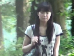 hot-japanese-chick-pees-in-public