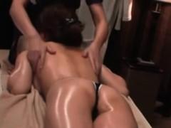 perfect-asian-ass-at-massage-studio