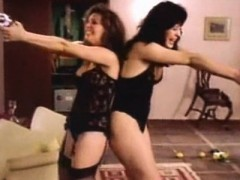 claudia-raia-and-louise-cardoso-retro-lesbian