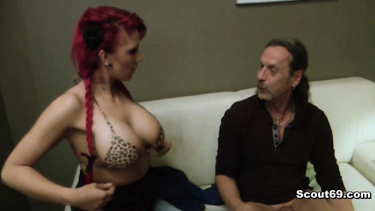 Сводный отец развёл на секс рыжую тинку.