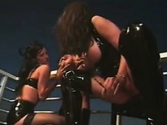freaky-and-sexy-lesbians-in-a-threesome