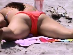 sexy-bikini-bottom-outside-at-a-beach