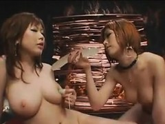beautiful-japanese-lesbians-that-squirt