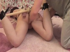 amateur-teen-brutally-fist-fucked-in-bondage