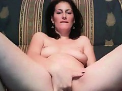 horny-arab-chick-fingering-her-holes