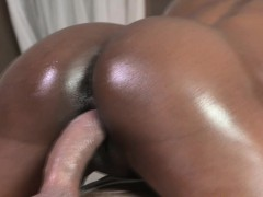 ebony-beauty-squirts-before-doggystyle