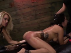 bdsm-domina-strapon-bang
