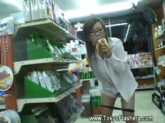horny-asian-publicly-maturbates-while-eating-food