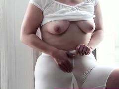 mormon-milf-amateur-masturbates-with-vibrator-in-underwear