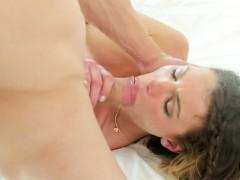 brunette-amateur-blowjob-and-eaten-out-on-massage-table
