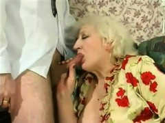 russian-amateur-mom-goes-wild-10