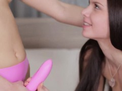 danish-girls-cumming-and-masturbating
