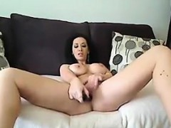 hot-girl-shows-off-her-tits-and-pussy