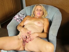 Mature Babe Cristine Ruby Rubs A Lolli On Her Pussy