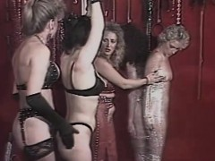dusty-is-with-her-girls