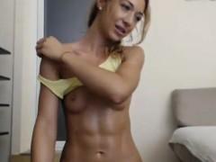 fit-beauty-teasing-her-body