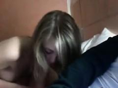 teen-girl-giving-head