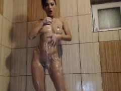 hot-big-ass-milf-in-the-shower-on-webcam