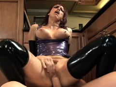 fucking-in-shiny-latex-lingerie-and-highheels