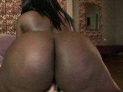 big-ass-ebony-chanel-staxxx-gets-drilled