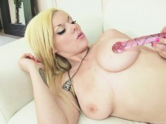 Jaw dropping Blonde Masturbating With A Big Dildo
