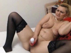 milf-love-dildo-in-butt-and-cunt