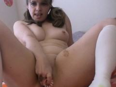 thick milf gets dirty