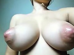 fascinating-breasts-on-cam-torpedo-breasts